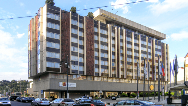Prague council objects to project on square by Intercontinental Hotel