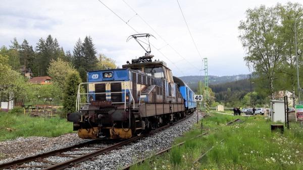 Rail repairs mean 3 years of train delays