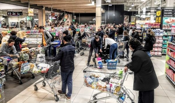 Stores opening, inflation up, CPI looks at Italy